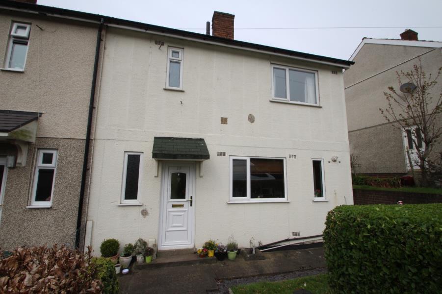 2 Bedrooms Semi Detached House for sale in BEDFORD MOUNT, LEEDS, LS16 6DP