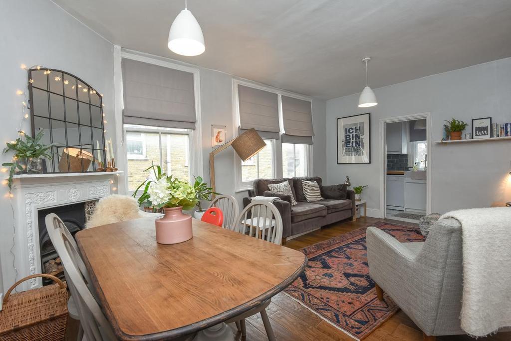 3 Bedrooms Flat for sale in Adelaide Avenue, Brockley, SE4