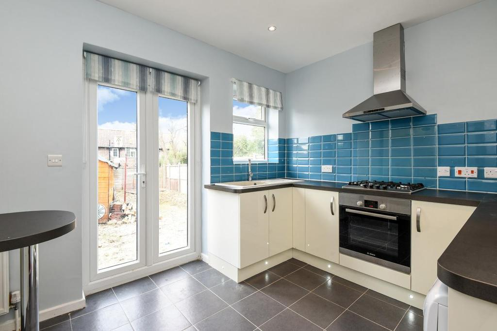 3 Bedrooms Terraced House for sale in Ivorydown, Bromley, BR1