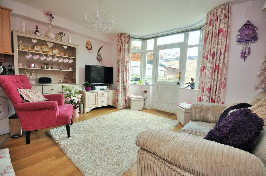 2 Bedrooms Apartment Flat for sale in Gerard Avenue, Burnholme, York