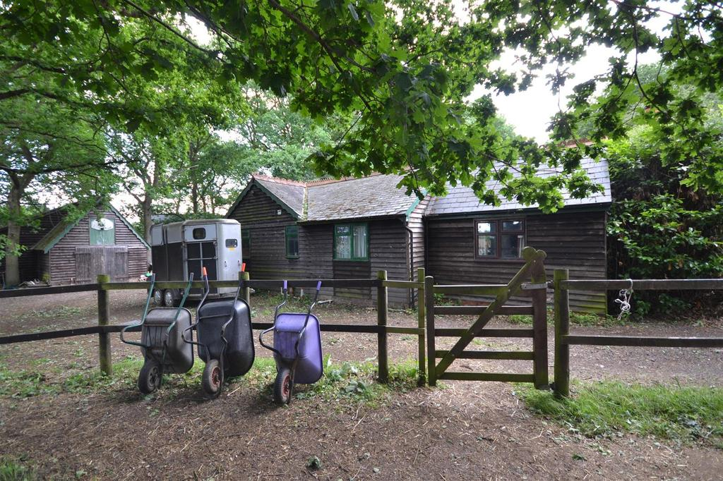 3 Bedrooms Bungalow for sale in Rettendon Common