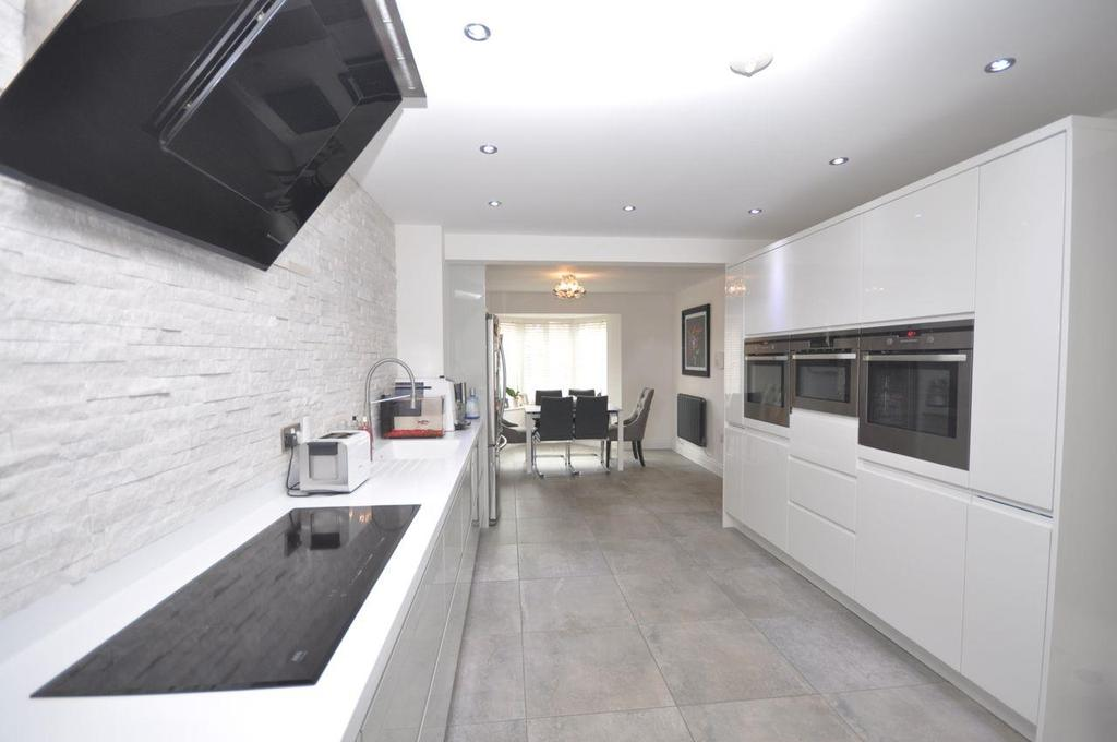 4 Bedrooms Town House for sale in Aylesford Mews, Greystoke Manor, Sunderland