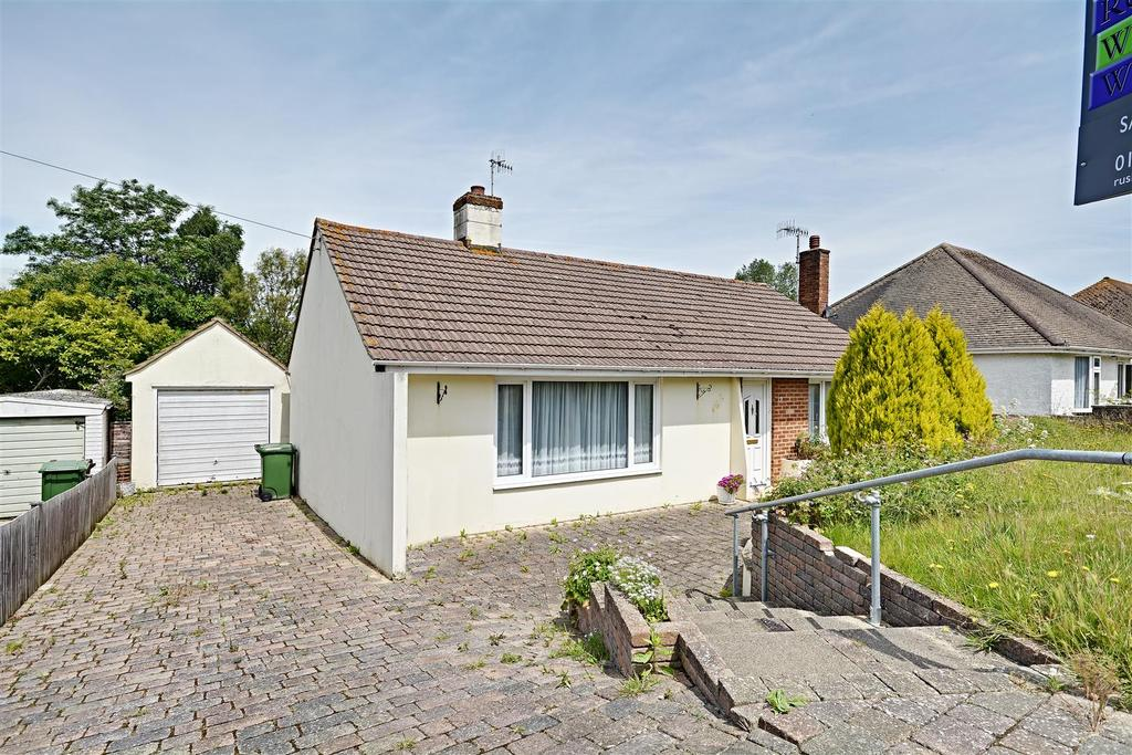 3 Bedrooms Detached Bungalow for sale in Third Avenue, Bexhill-On-Sea