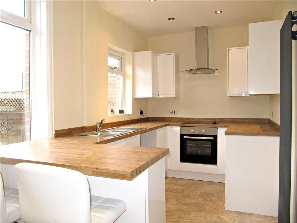 3 Bedrooms Semi Detached House for sale in Park Drive, Crow Wood Park, Sowerby Bridge, HX2