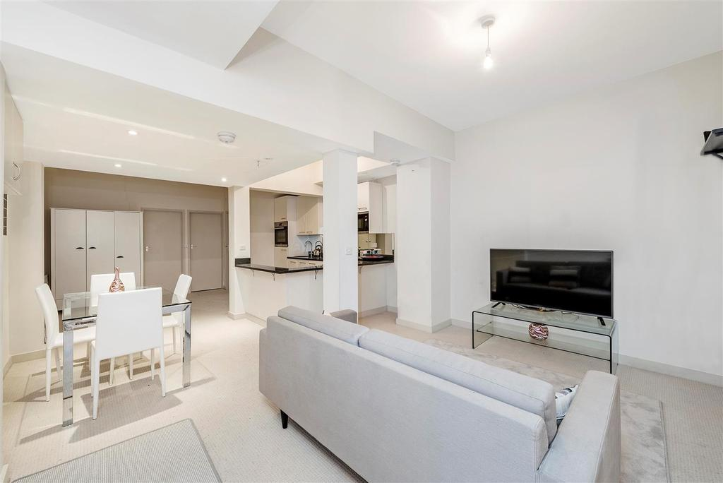 3 Bedrooms Flat for sale in Westmoreland Terrace, London, SW1V