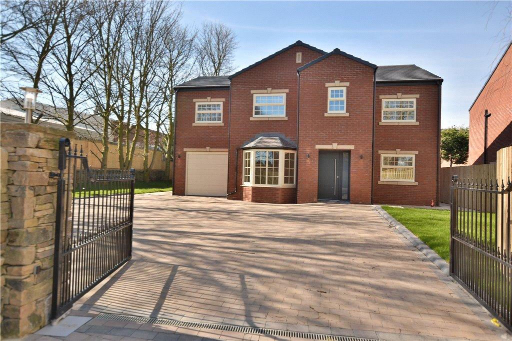 4 Bedrooms Detached House for sale in Willow Tree Gardens, Cross Lane, Birkenshaw