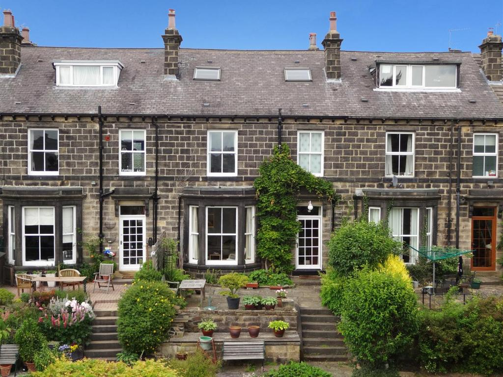 4 Bedrooms Terraced House for sale in Cragg Terrace, Horsforth