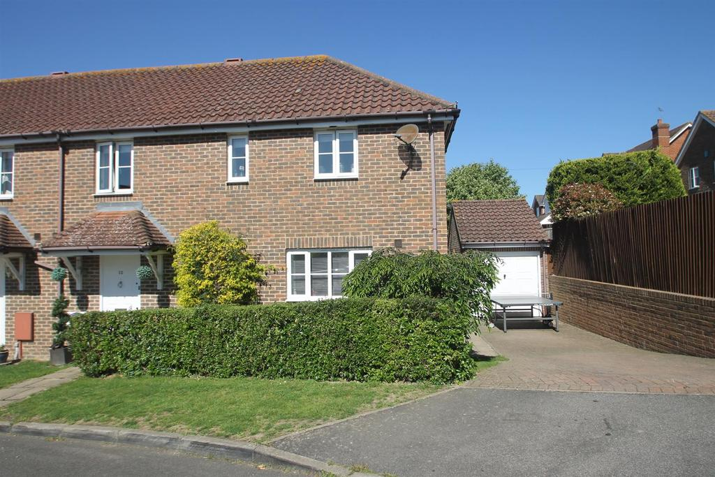 3 Bedrooms Semi Detached House for sale in Gascoyne Close, Bearsted, Maidstone