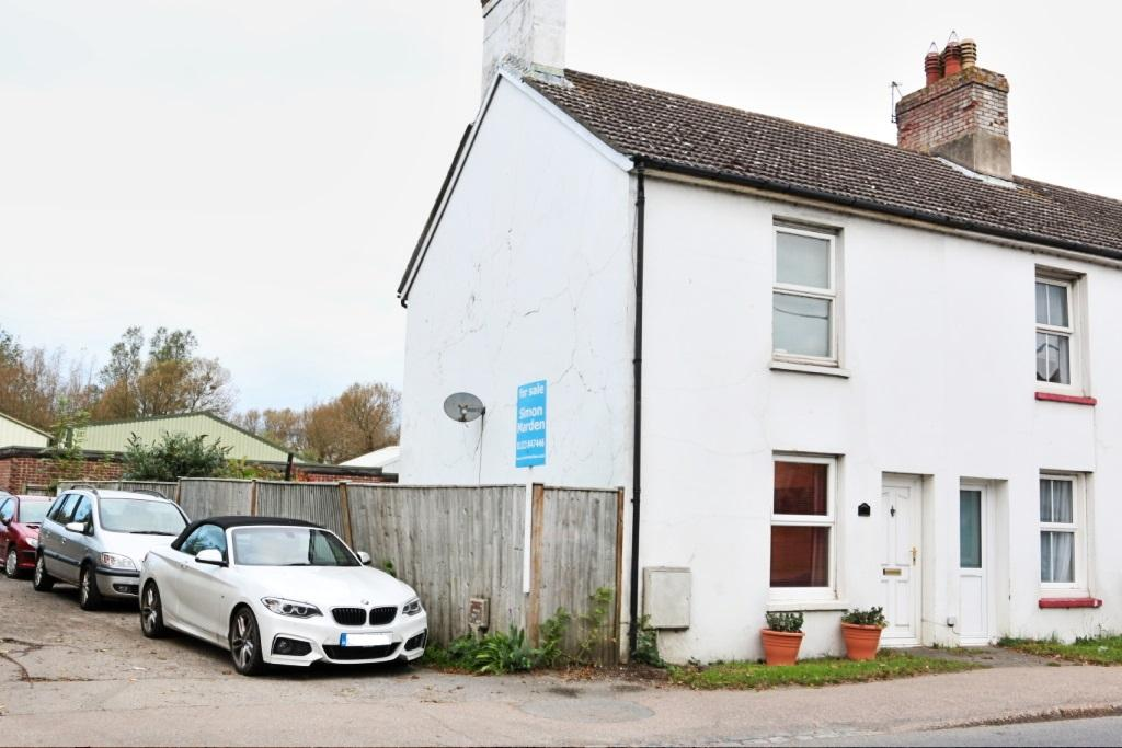2 Bedrooms End Of Terrace House for sale in South Road, Hailsham BN27