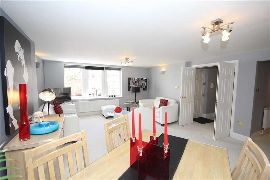 2 Bedrooms Apartment Flat for sale in The Townhouse, Leamington Spa, Warwickshire, CV32