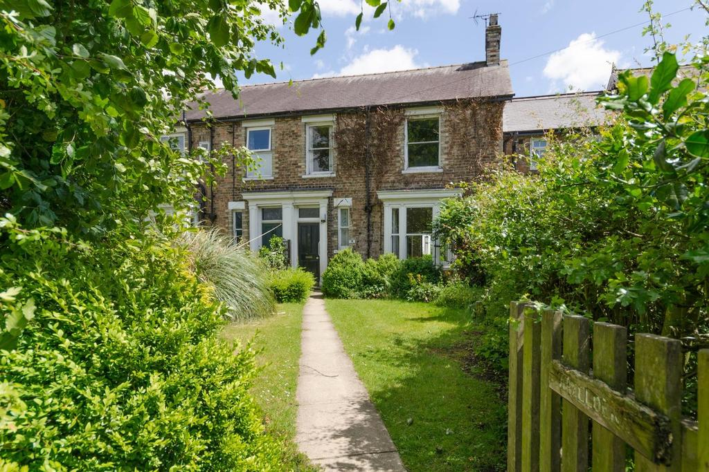 4 Bedrooms Unique Property for sale in Main Street, Alne, York