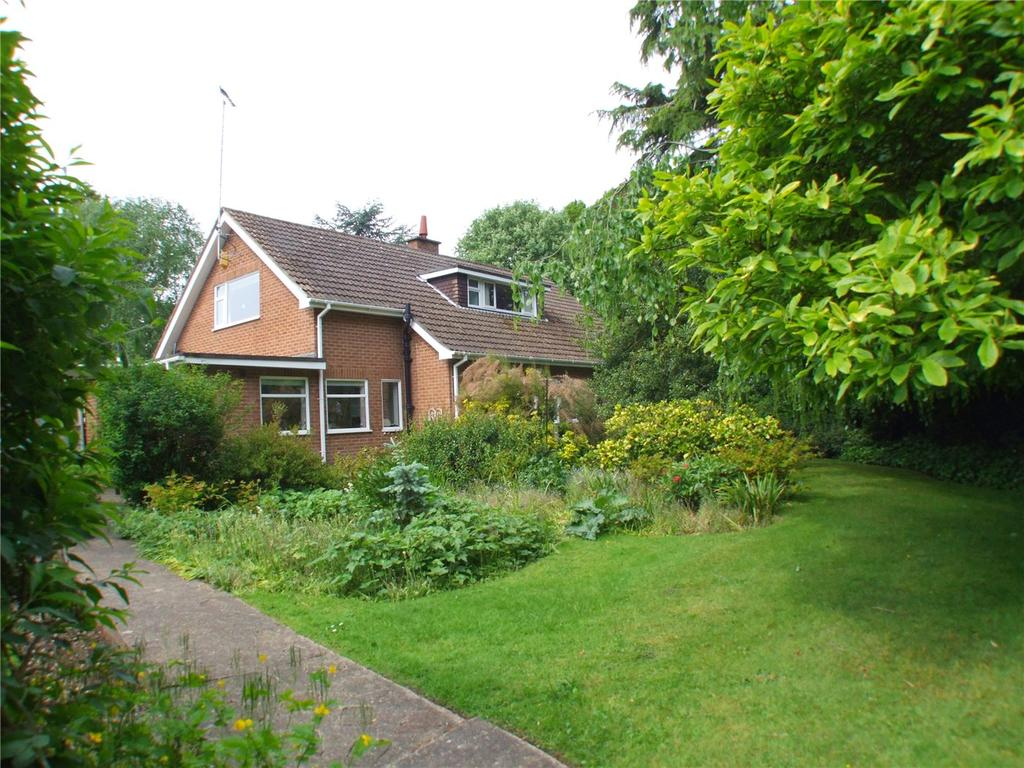4 Bedrooms Detached Bungalow for sale in Beechfield Gardens, Spalding, Lincolnshire, PE11