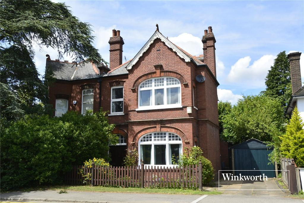 5 Bedrooms Semi Detached House for sale in Wood Street, High Barnet, Herts, EN5