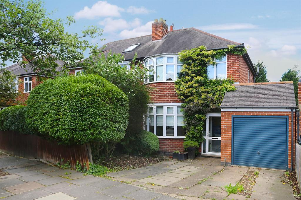 3 Bedrooms Semi Detached House for sale in Meadvale Road, South Knighton