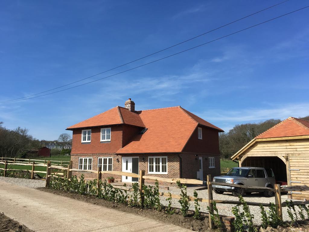 4 Bedrooms Detached House for sale in Nightingale Farm, Hailsham Road, Nr Polegate BN26