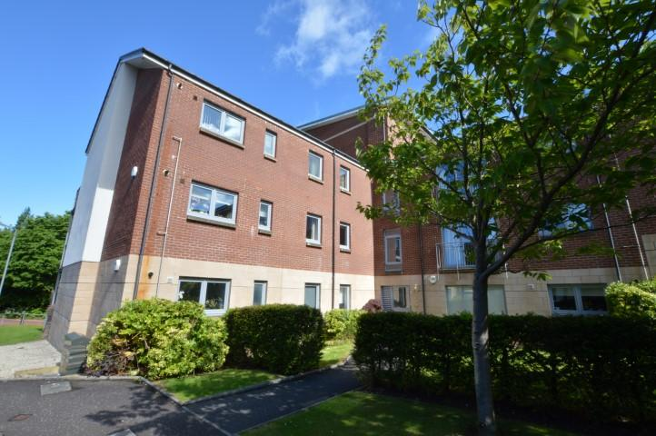 3 Bedrooms Flat for sale in Flat 1/2, 7 Dalsholm Place, Glasgow, G20 0UH