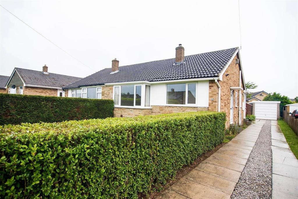 2 Bedrooms Semi Detached Bungalow for sale in Smithy Lane, Skelmanthorpe, Huddersfield