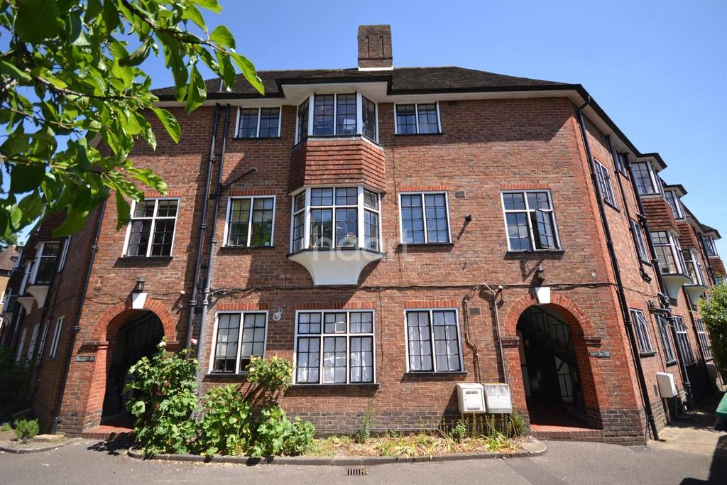 3 Bedrooms Flat for sale in Guildford, Surrey