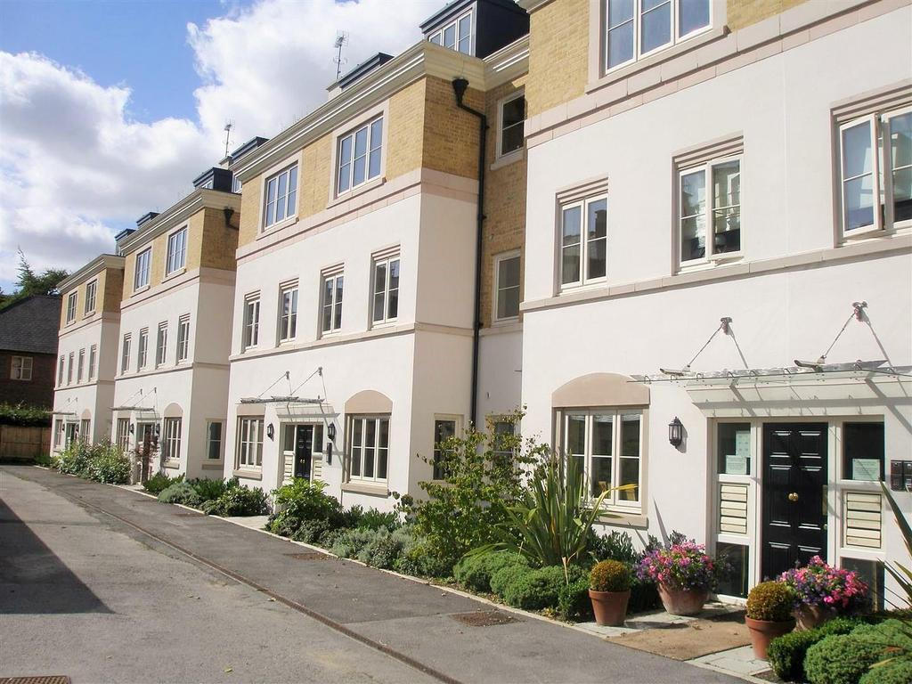 2 Bedrooms Apartment Flat for sale in The Square, Dringhouses, York