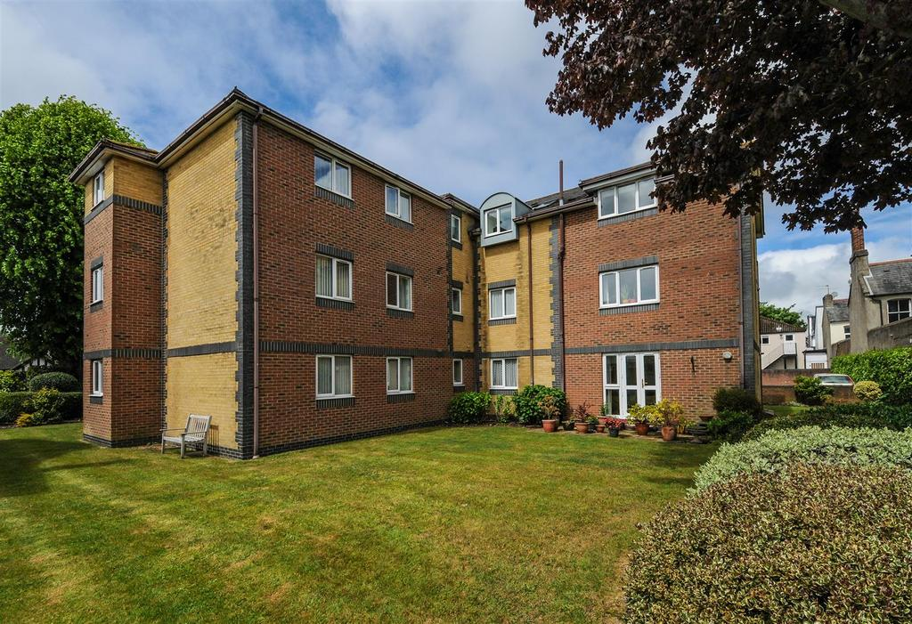 2 Bedrooms Apartment Flat for sale in Stirling Road, Chichester