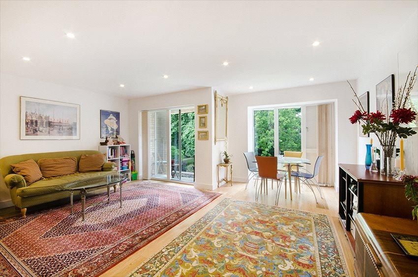 3 Bedrooms Flat for sale in Beckett House, Westking Place, London, WC1H