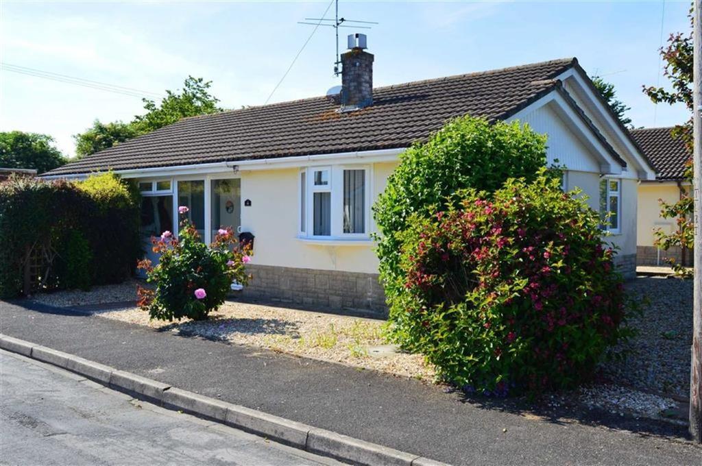 3 Bedrooms Detached Bungalow for sale in Parmiter Way, Wimborne, Dorset