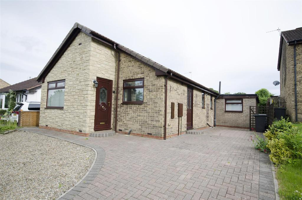 3 Bedrooms Detached Bungalow for sale in Falcon Close, Scotton, Catterick Garrison