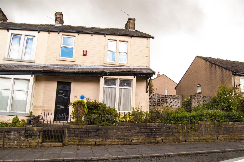 4 Bedrooms Terraced House for sale in Albion Street, Burnley