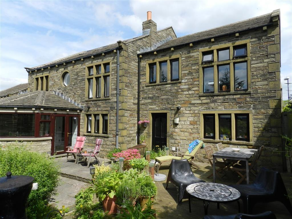 5 Bedrooms Detached House for sale in Green Abbey, Hade Edge, Holmfirth, HD9