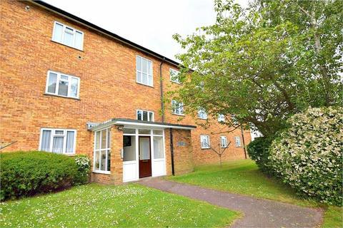 2 bedroom flat for sale - Sabine House, Shirley Road, ABBOTS LANGLEY, Hertfordshire