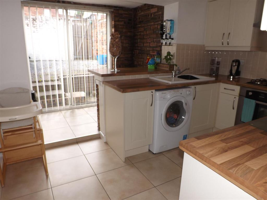 2 Bedrooms End Of Terrace House for sale in Gladstone Street, St. Helens