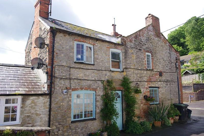 2 Bedrooms Town House for sale in North Allington, Bridport