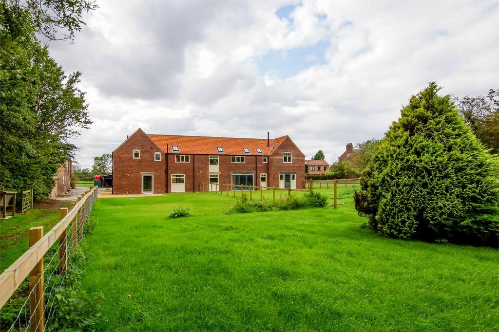 3 Bedrooms Semi Detached House for sale in Elm Tree Farm Cottages, Flaxton, YORK