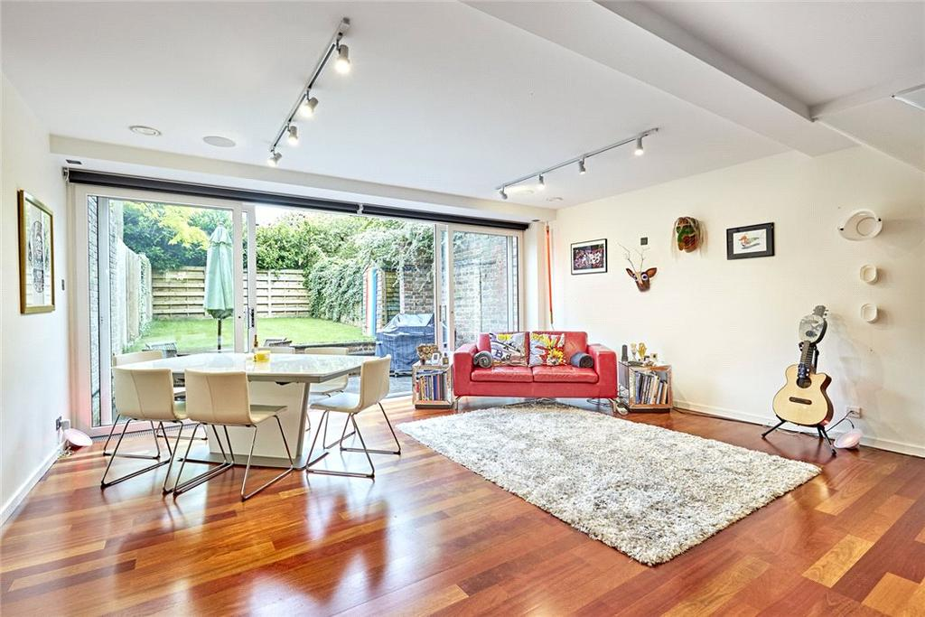 3 Bedrooms Semi Detached House for sale in Little Bornes, West Dulwich, London, SE21