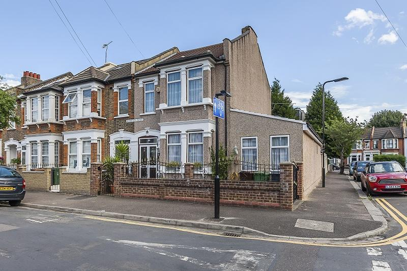 5 Bedrooms End Of Terrace House for sale in Hampton Road, London, Leytonstone. E11 4BZ