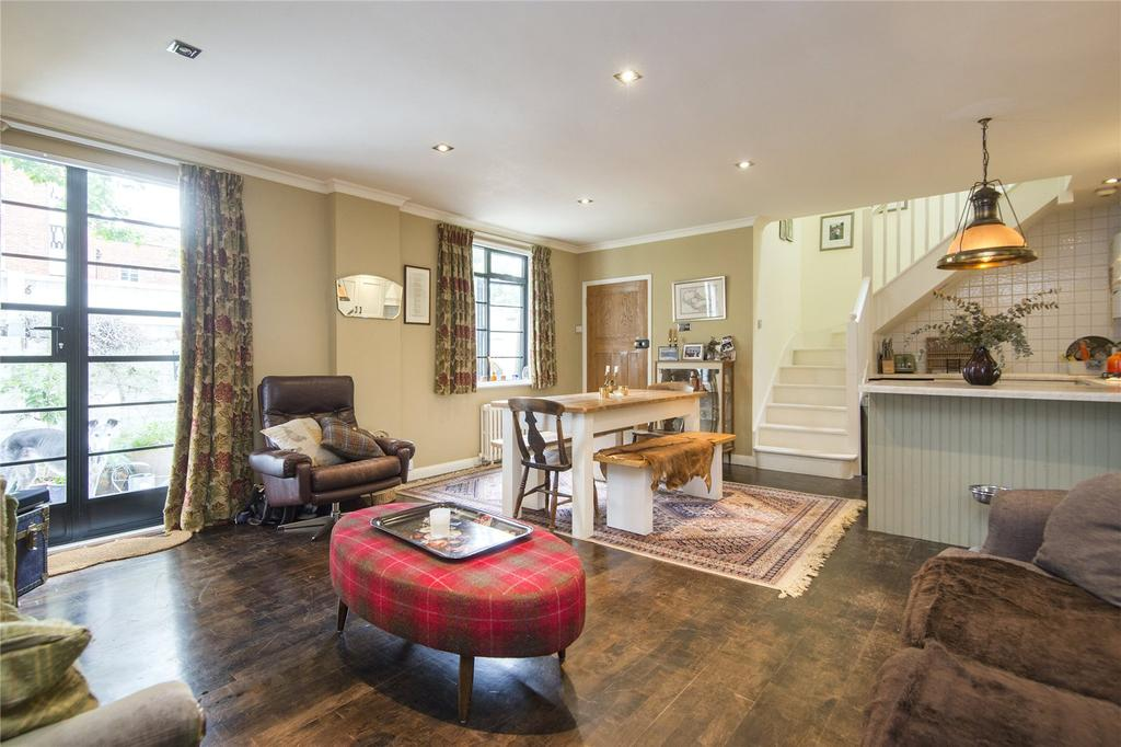 2 Bedrooms Terraced House for sale in St. Thomas's Place, Hackney, London, E9