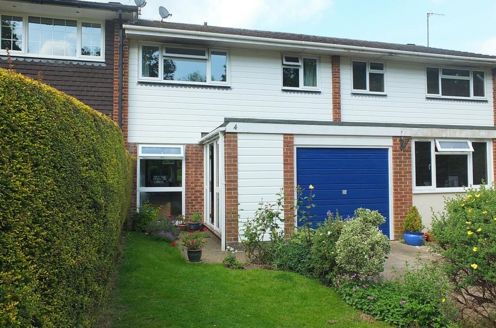3 Bedrooms House for sale in Climping Close, Haywards Heath, RH16