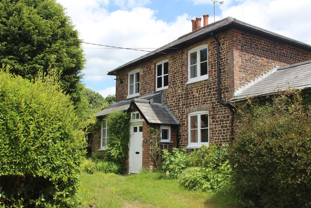 3 Bedrooms Cottage House for sale in Fittleworth