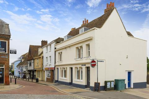 4 bedroom end of terrace house for sale - West Street, Faversham