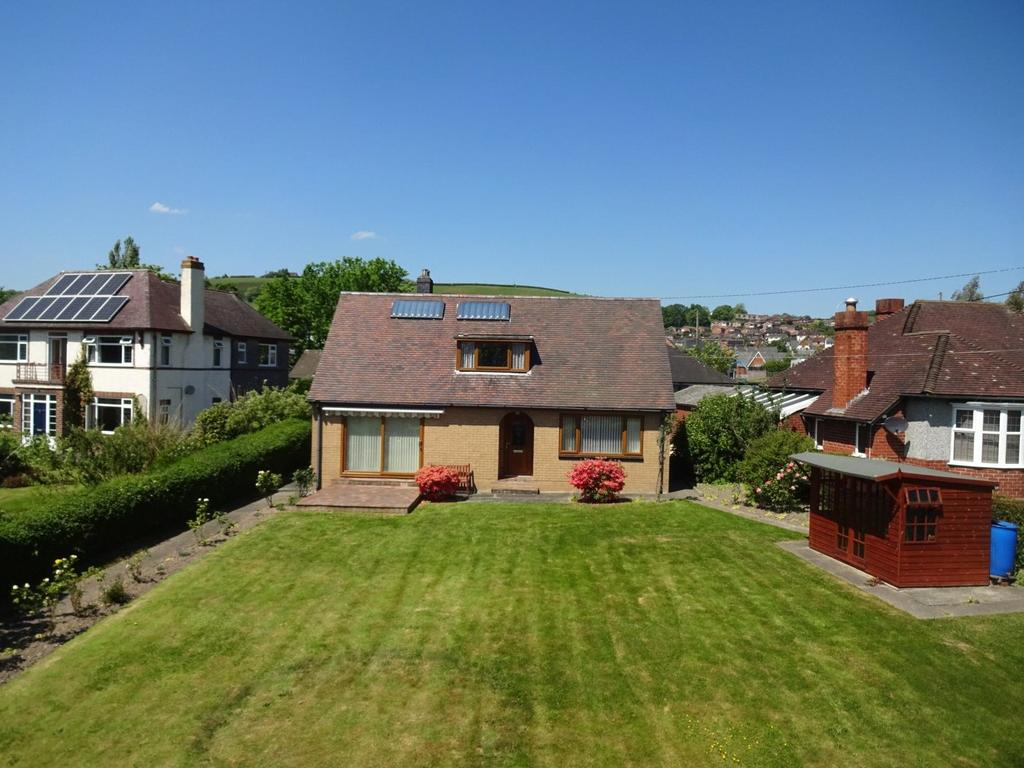 4 Bedrooms Detached Bungalow for sale in Canal Road, Newtown, Powys