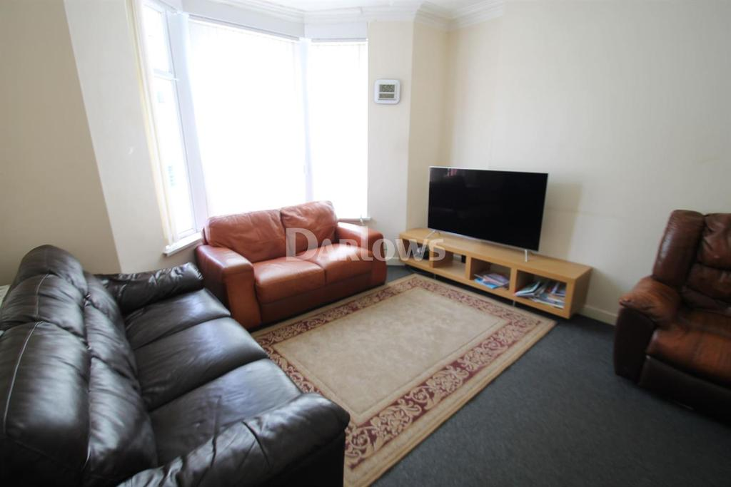 3 Bedrooms End Of Terrace House for sale in Penhevad Street, Grangetown