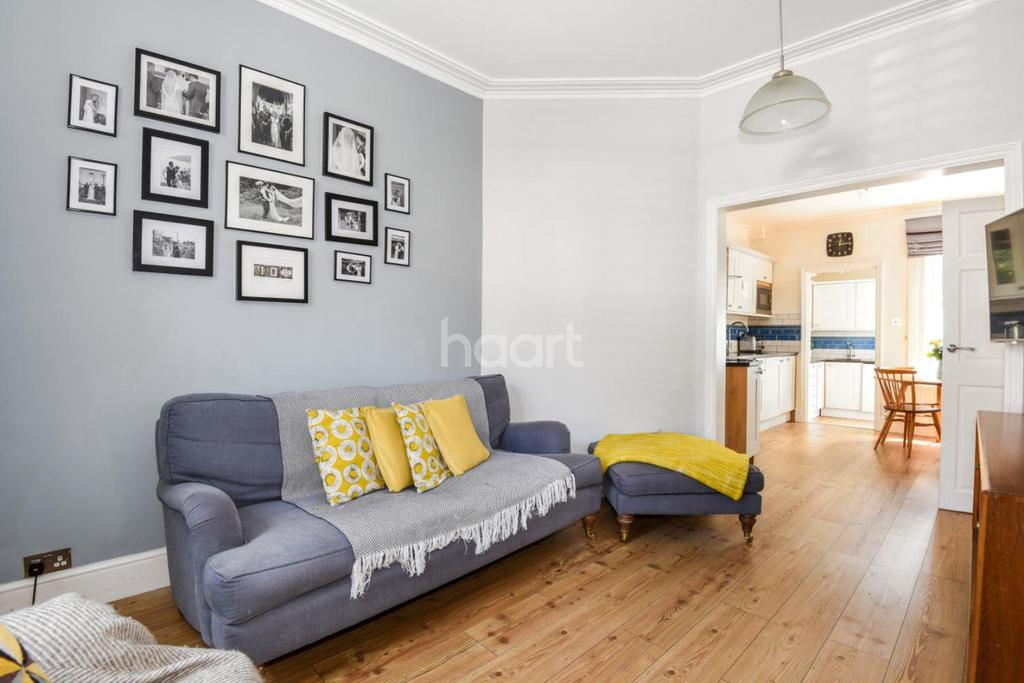 2 Bedrooms Flat for sale in Idlecombe Road, Tooting, SW17