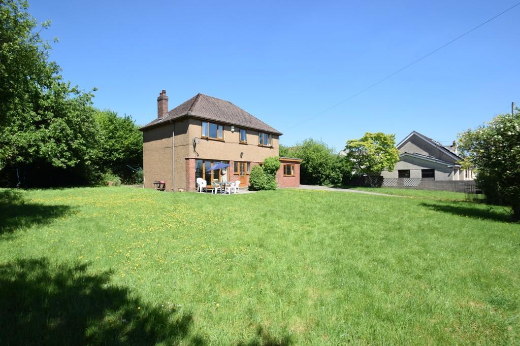 6 Bedrooms Detached House for sale in Darren House, High Street, Heol-Y-Cyw, Bridgend, Bridgend County Borough, CF35 6HR.