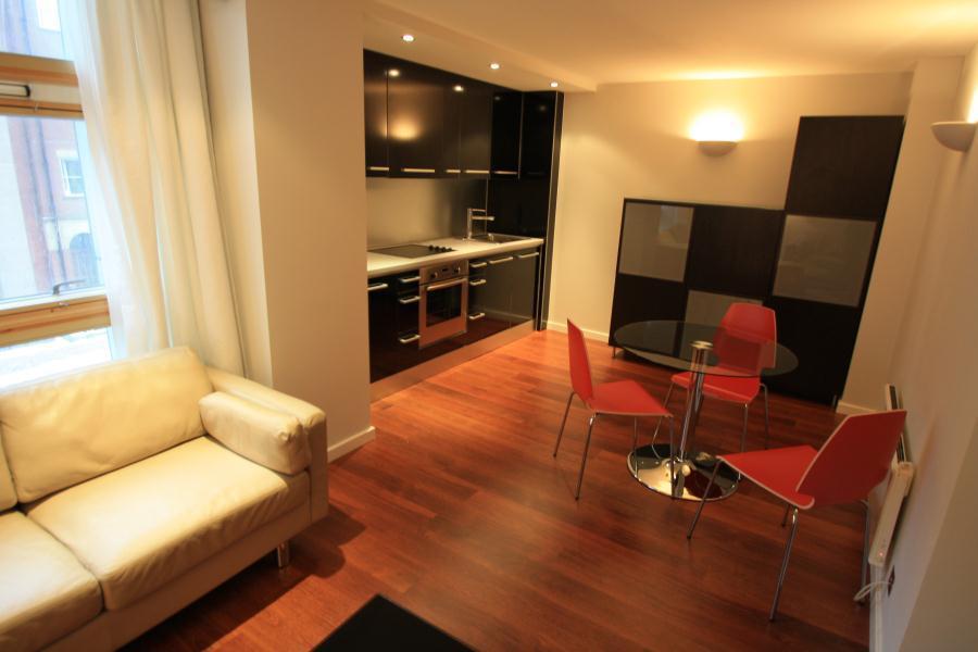 2 Bedrooms Apartment Flat for sale in WESTPOINT, WELLINGTON STREET, LEEDS, LS1 4JJ