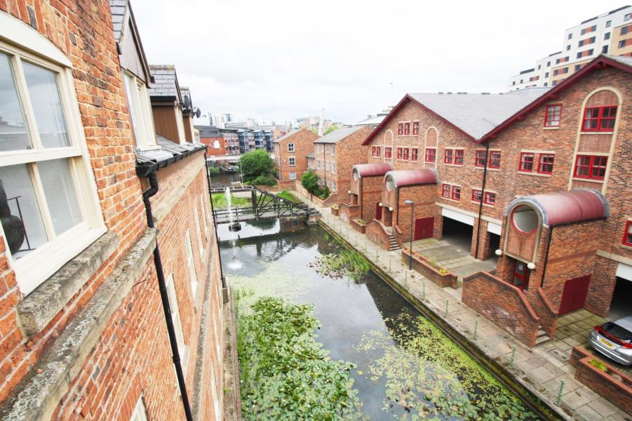 1 Bedroom Apartment Flat for sale in FLYBOAT HOUSE, NAVIGATION WALK, LEEDS, SL10 1JJ