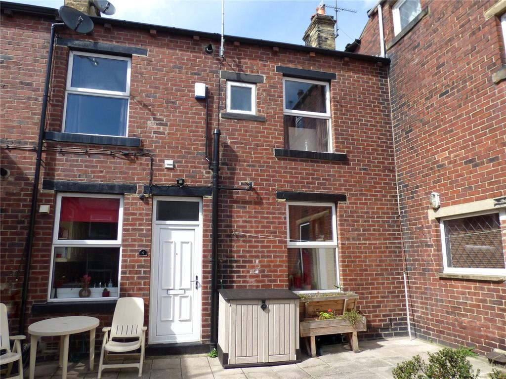 2 Bedrooms Terraced House for sale in Birkett Street, Cleckheaton, BD19