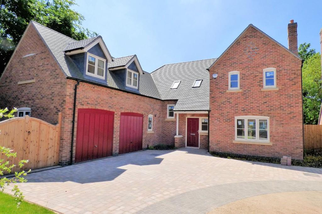 4 Bedrooms Detached House for sale in Trent Lane, Newton Solney