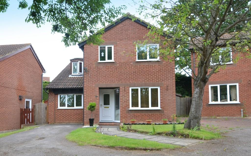 4 Bedrooms Detached House for sale in Ward Road, Ipswich, Suffolk