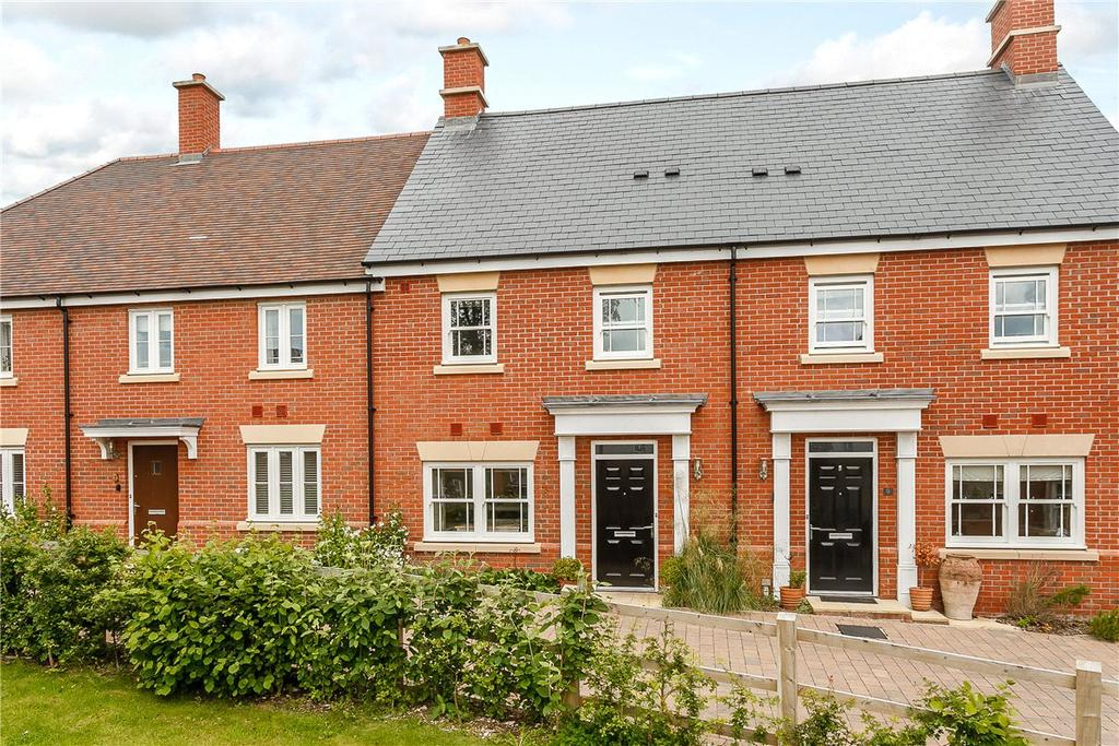 2 Bedrooms Terraced House for sale in Whatley Drive, Pewsey, Wiltshire, SN9