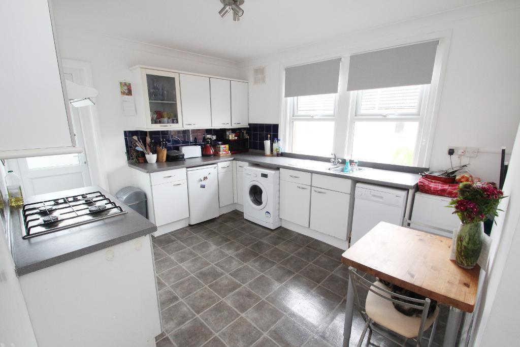 2 Bedrooms Flat for sale in St Leonards Avenue, Hove, East Sussex, BN3 4QH